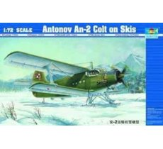 TRUMPETER Antonov An-2 C olt on Skis