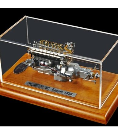 Bugatti 57 SC Engine with Showcase