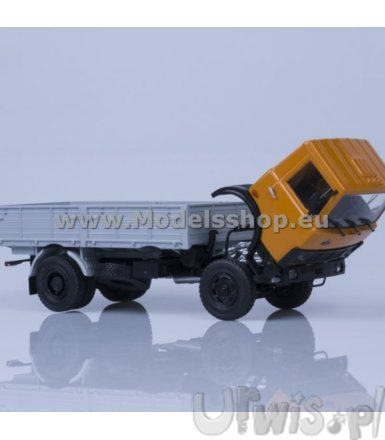 MAZ-5337 Flatbed Truck (orange/grey)