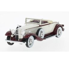 Packard 902 Standard Eight Convertible 1932 (light beige/red)