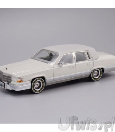 GLM Cadillac Brougham 1991 (white)